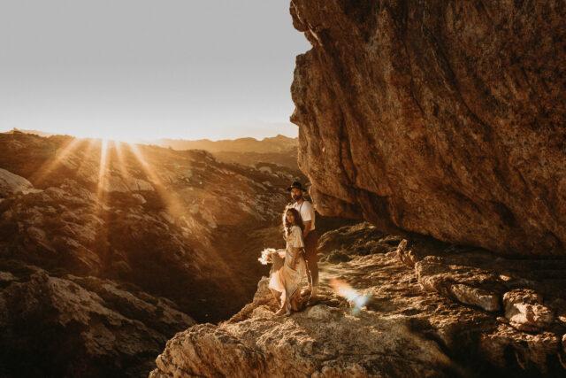 Postboda Samia & Ricard - atardecer en cap de Creus